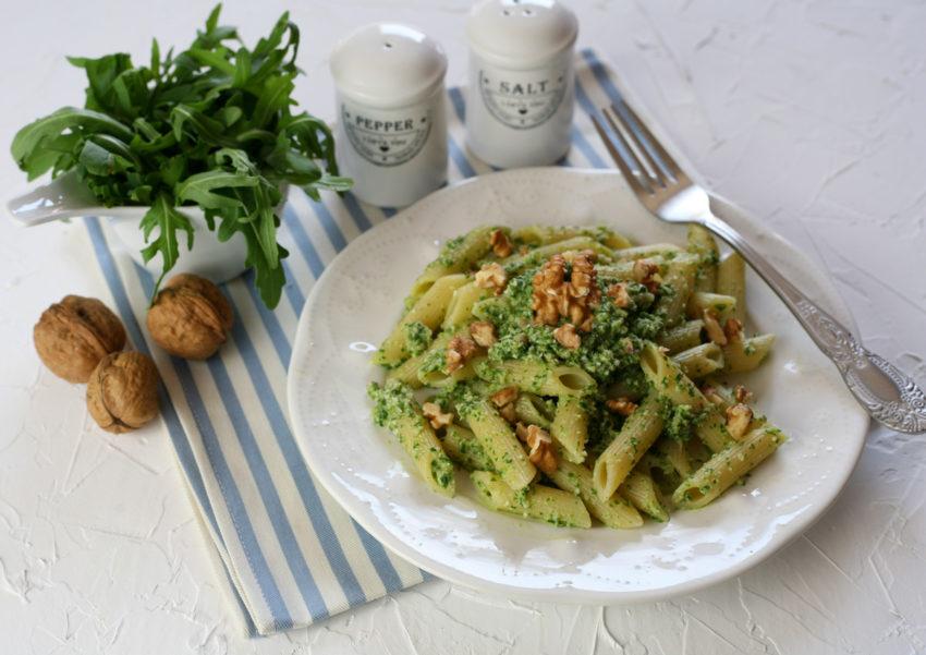 🍅 Pasta al pesto di rucola e noci con pomodorini 🍅