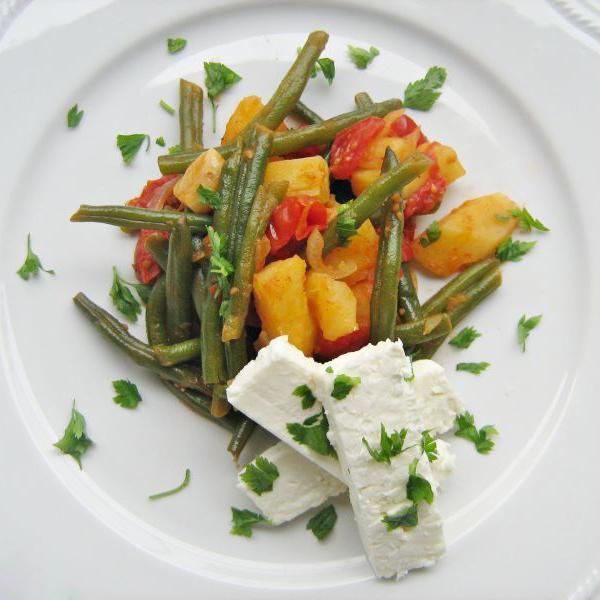 Insalata di fagiolini, patate e feta greca.